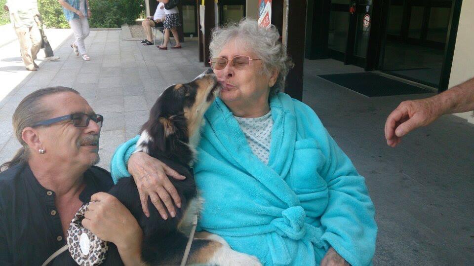 Besuch bei Oma im Spital.jpg